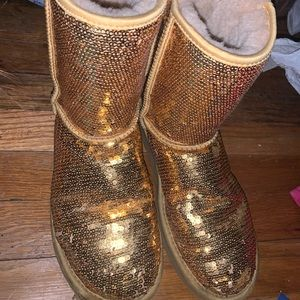 GLITTERY GOLD UGG BOOTS